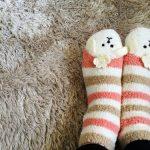 冷え性には靴下よりもレッグウォーマーが良い?寝るときの靴下が逆効果な理由!